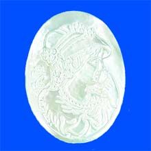 WHITE SHELL CAMEL 30X40MM C