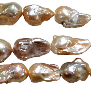 FRESHWATER PEARL BAROQUE 20-30 MM NATURAL PEACH