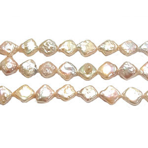 FRESHWATER PEARL DICE 10MM NATURAL PEACH