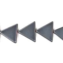 HEMATITE TRIANGLE 16MM